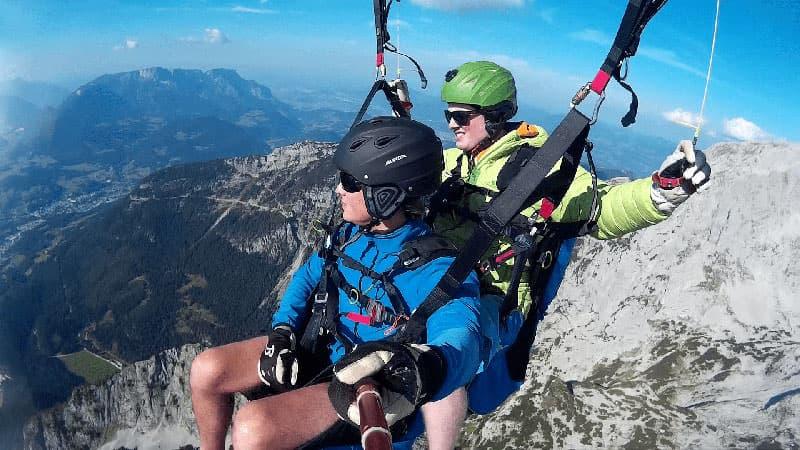 »Thermik« Tandemfliegen vor Kulisse des Jenner und Höher Göll in Berchtesgaden.